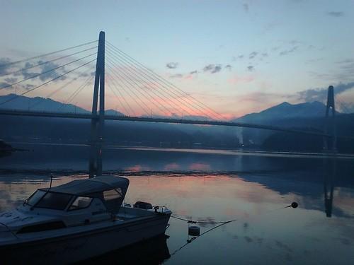 夜明けのクレインブリッジ